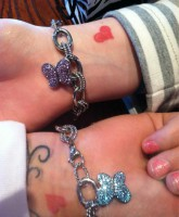 Jenelle Evans and Kailyn Lowry matching heart tattoos and gift bling on their wrists