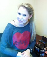 "Kailyn Lowry wearing a ""Living"" Pasion apparel shirt"