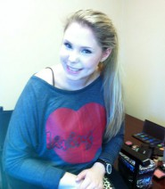 Kailyn Lowry wearing a &quot;Living&quot; Pasion apparel shirt
