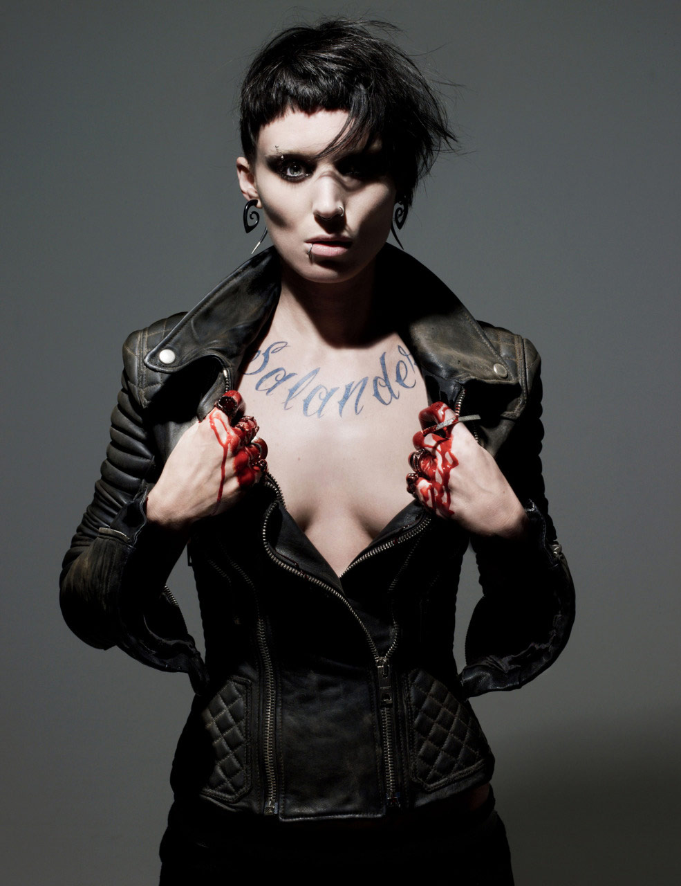 W magazine cover photo of Rooney Mara s Lisbeth Salander without text