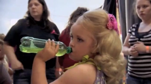 Toddlers and Tiaras Alana Thompson guzzling special Go-Go juice