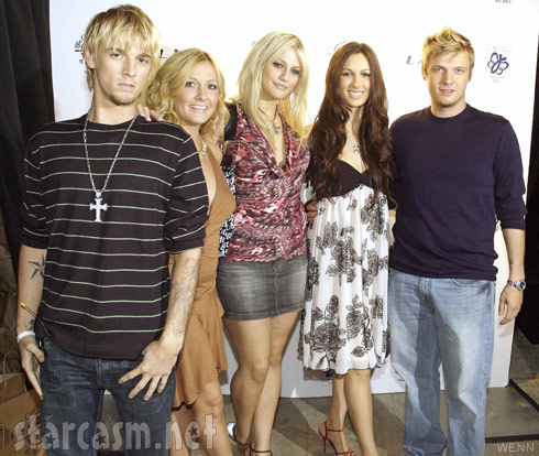 House of Carters cast photo Aaron Carter, Bobbie Jean Carter, Leslie Carter, Angel Carter, Nick Carter