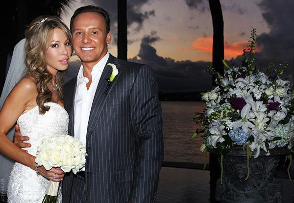 Lisa Hochstein and Dr. Lenny Hochstein wedding photo