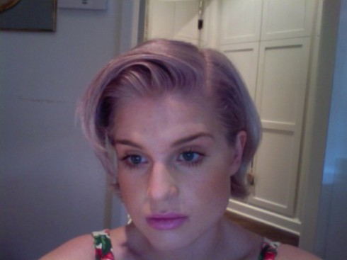 Kelly Osbourne lavender gray 2010 April