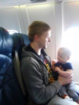 16 and Pregnant Hope Harbert's baby daddy Ben and son Tristan on an airplane