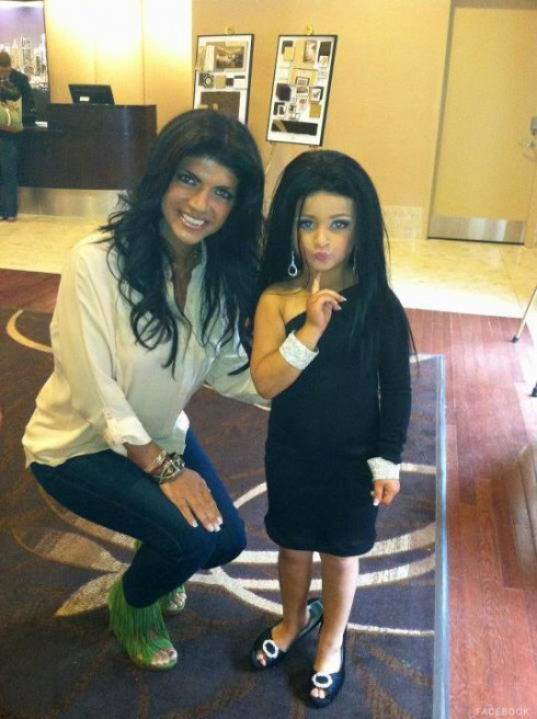 Toddlers and Tiaras beauty pageant contestant dressed as Teresa Giudice with Teresa