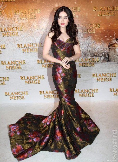 Lily Collins Mirror Mirror premiere Paris Blanche Neige