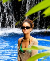 Rihanna Bikini picture 2