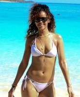 Rihanna Bikini picture 20