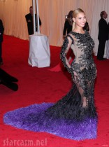 2012 Met Gala Beyonce red carpet photo