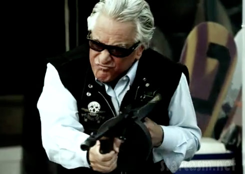 Barry Weiss machine gun photo from Storage Wars Summer Lockbuster trailer