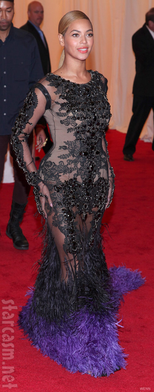 Beyonce 2012 Met Gala red carpet full length photo