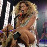 Beyonce performing in concert at Ovation Hall in the Revel Resort & Casino May 25 2012 photo 6