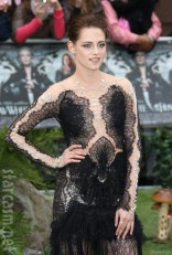 Kristen Stewart in revealing sexy black Marchesa dress at Snow White and the Huntsman Premiere