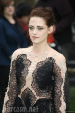 Kristen Stewart looking like the fairest of them all at Snow White and the Huntsman Premiere