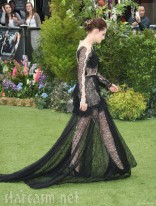 Kristen Stewart walking at the Snow White and the Huntsman World Premiere