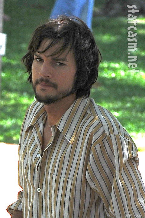 Ashton Kutcher on set of Jobs: Get Inspired