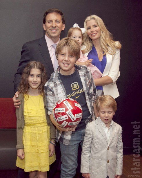 Aviva Drescher with husband Reid Drescher and children Harrison Veronica Hudson and Sienna