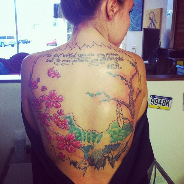 Kailyn Lowry's back tatoo in progress on June 28 2012