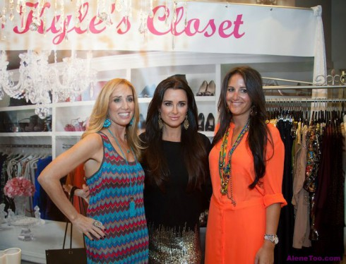 Debbie Weisman Kyle Richards and Lizzy Schwartz Alene Too book signing