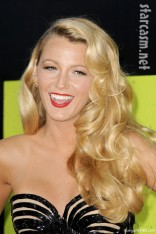 Blake Lively Cheerleader on Blake Lively Striped Dress   Blakelivelysavages