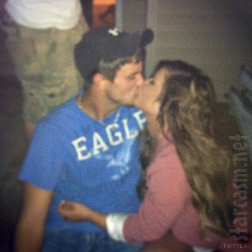 Does Teen Mom Chelsea Houska have a new boyfriend? Tweeted photo kissing Aaron Crisp
