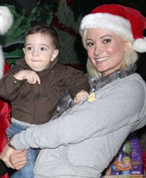 Holly_Madison_adopting_tn