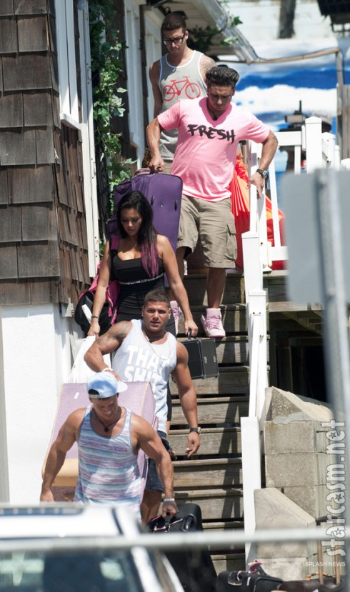 Jersey Shore cast leaving the Seaside Heights beach house for the last time