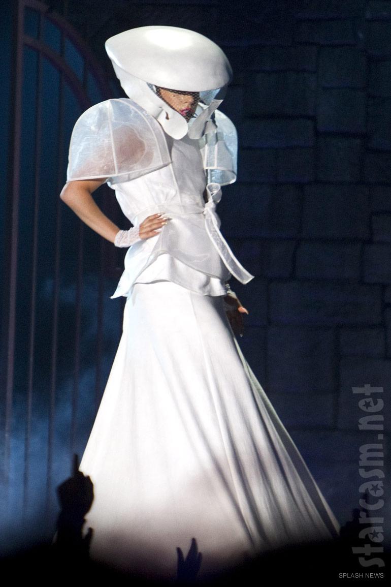 Electric Eunice: Fashion   Lady Gaga's Born This Way Ball