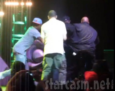 Fan rushes Nicki Minaj on stage during concert in Miami, gets beat up by security