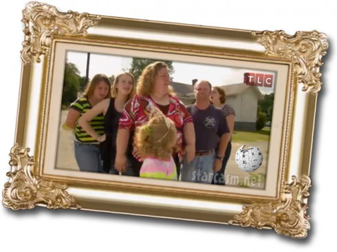 Here Comes Honey Boo Boo framed family photo from the opening credits