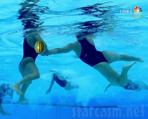 Spanish women's Olympic water polo player wardrobe malfunction
