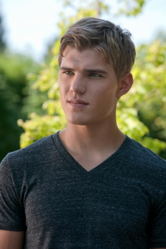 Chris Zylka AHS