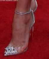Olivia Munn toes pinched