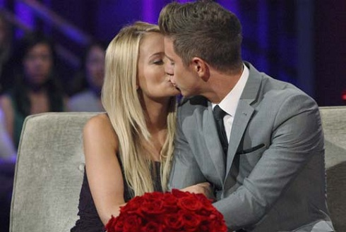 Emily Maynard and Jef Holm kiss during 'Bachelorette' finale