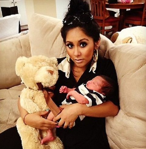 Snooki Baby Pictures on Snooki Photos Of Baby Son Lorenzo  Post Baby Body Photos Starcasm Net