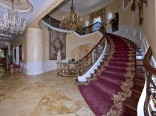 Stairwell in Adrienne Maloof and Dr. Paul Nassif's Beverly Hills home