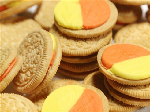 Picture of actual Candy Corn Oreos filling