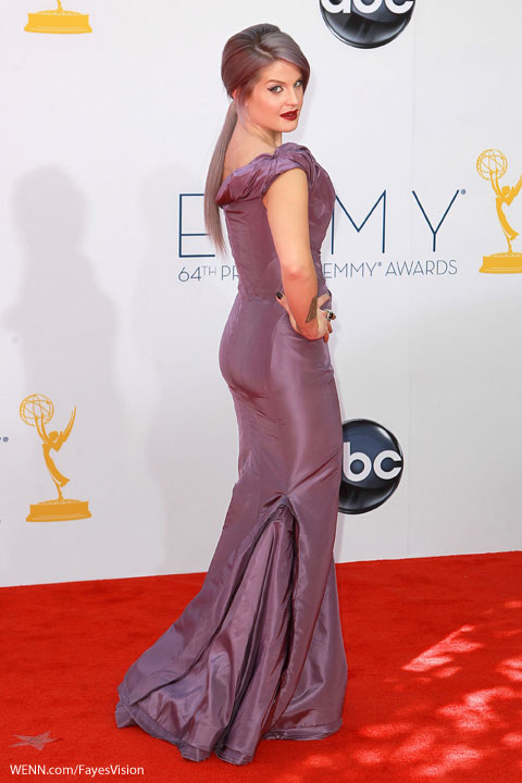 Kelly Osbourne 2012 Emmy Awards shoulder lavender dress