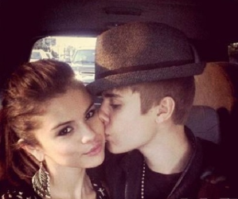 Selena Gomez gets a kiss from boyfriend Justin Bieber