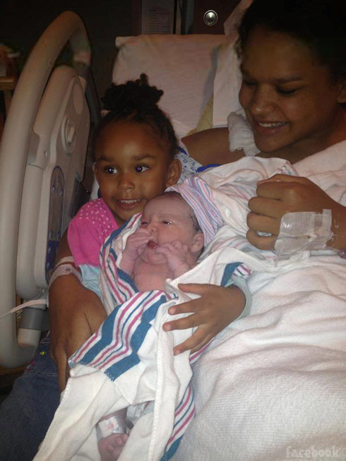 16 and Pregnant's Ebony Jackson-Rendon and her two daughters Jocelyn and Jayda