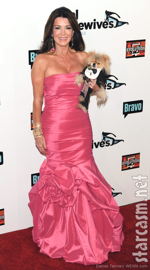 Lisa Vanderpump Giggy RHOBH Season 3 Premiere