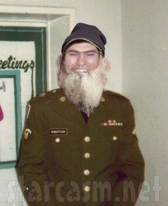 Si Robertson beardless beard photo