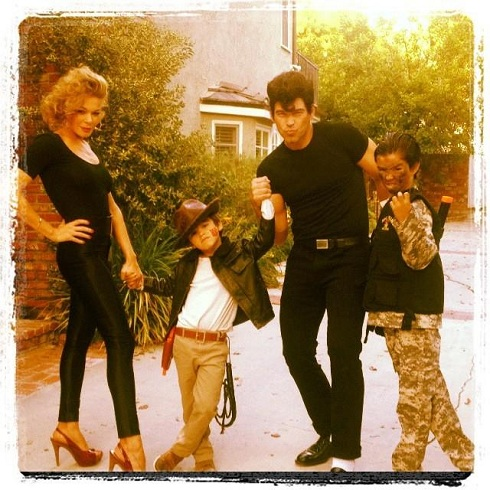 "LeAnn Rimes as 'Grease' star ""Sandy"" in Halloween photo of Eddie and his kids"