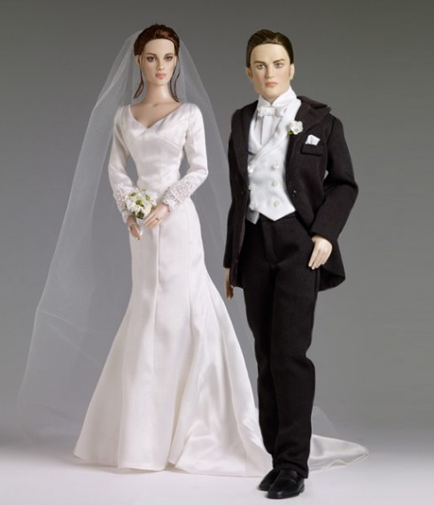 Twilight Tonner dolls Forever Bella and Forever Edward wedding bride and groom