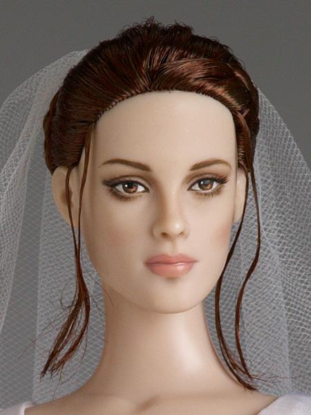 Forever Bella Tonner doll face details. Bella Swan bride doll