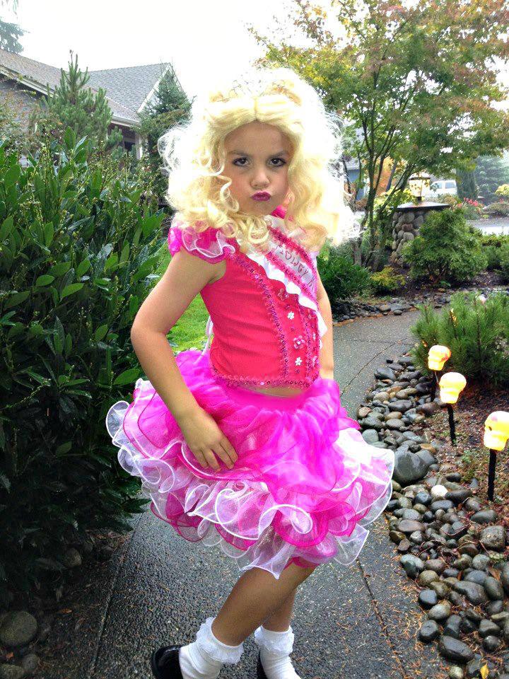 here comes honey boo boo halloween costume contest bobbies pick - Boo Halloween Costumes
