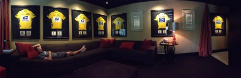 Lance Armstrong tweets photo lounging in front of his 7 Tour de France yellow jerseys
