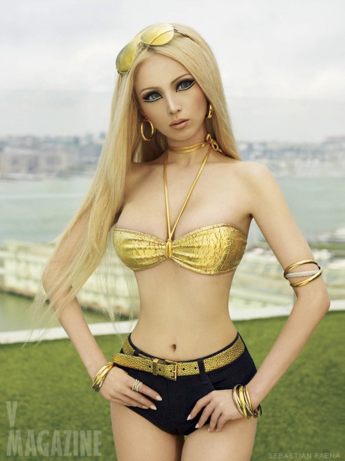 Valeria Lukyanova human Barbie doll