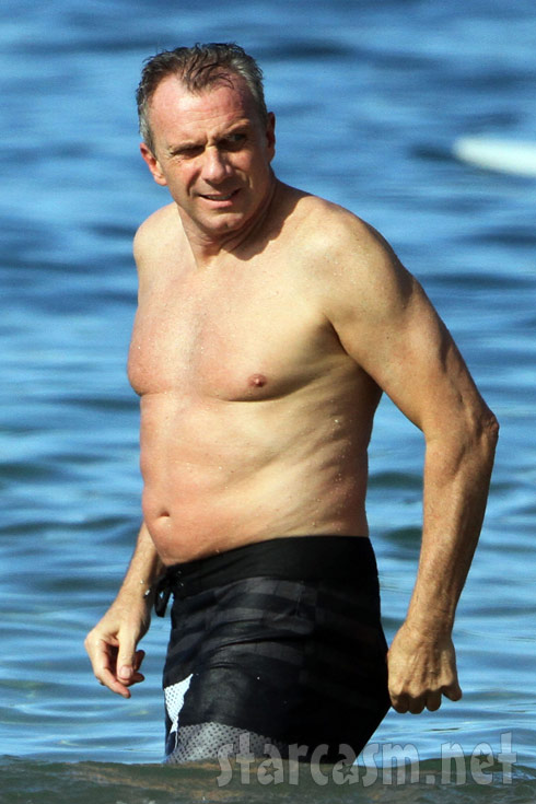 Joe Montana shirtless in Maui